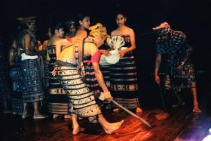 Teater Utan Kayu 1 2004